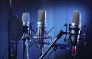 Things-help-to-choose-the-BEST-studio-microphone