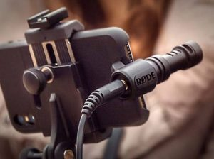 Best Budget Shotgun Mic For iPhone and Smartphone Android