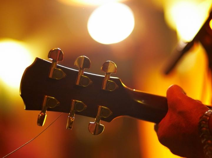 Best Inexpensive Acoustic Electric Guitar review