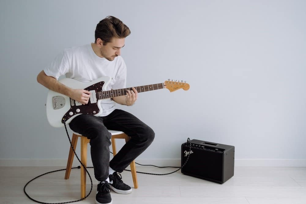 Electric guitar needs an amplifier and accessories to work properly