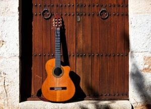 Spanish guitar vs Acoustic guitar: What are the differences between them