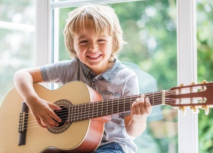 What is the difference between classical strings and acoustic guitars