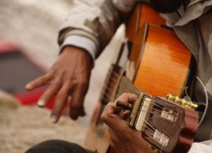 What's the difference between flamenco guitar vs acoustic