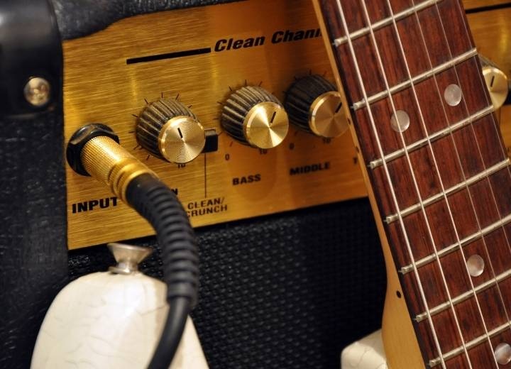 Which Acoustic or Electro Acoustic Guitar Should You Choose