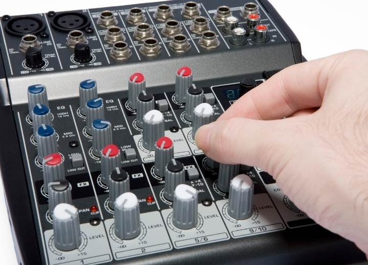 Tips On How To Adjust Mixer For Karaoke